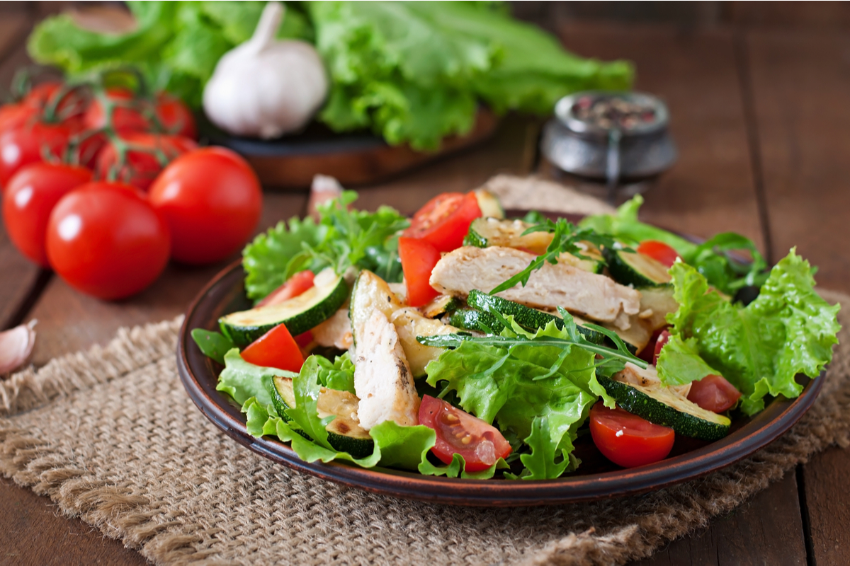 Saladas para te ajudar a perder peso! Aprenda a preparar