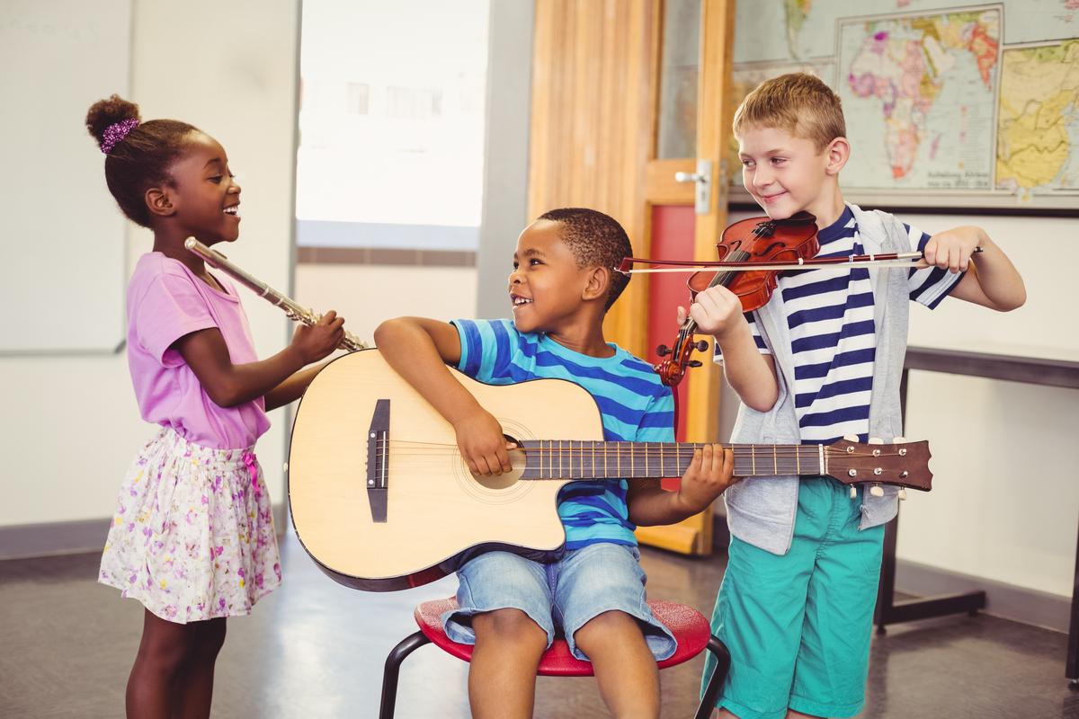 Benefícios da música para o desenvolvimento infantil
