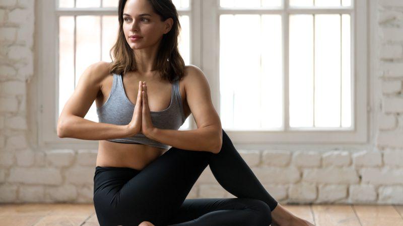 Veja como a prática da Ioga pode melhorar sua saúde física e emocional