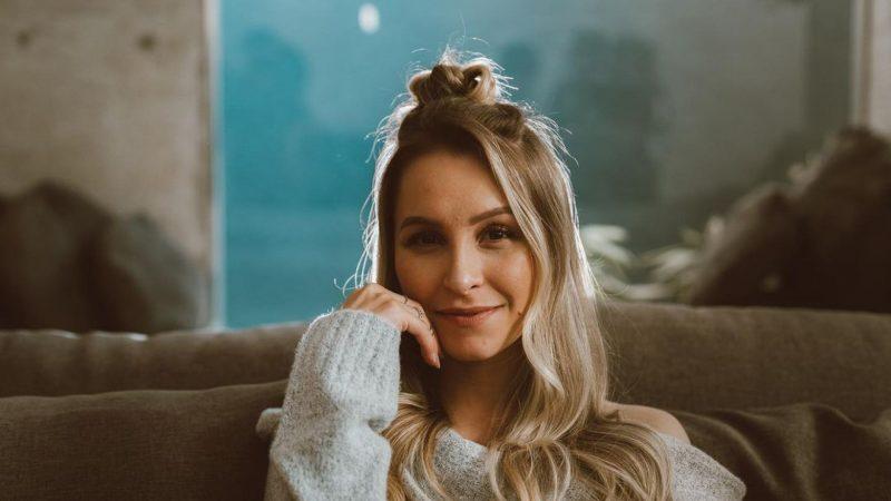 Carla Diaz: descubra os segredos de beleza da atriz