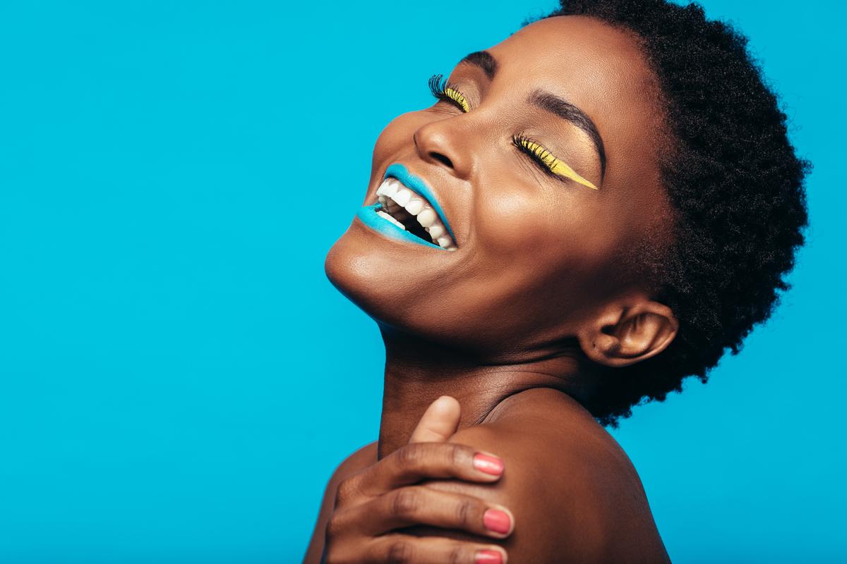 Dicas de maquiagem para peles negras