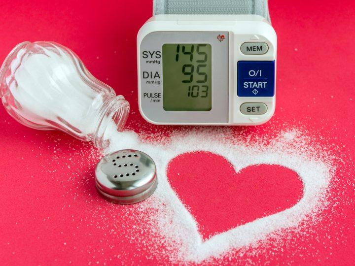 Pressão alta: cuidados com o sal na alimentação