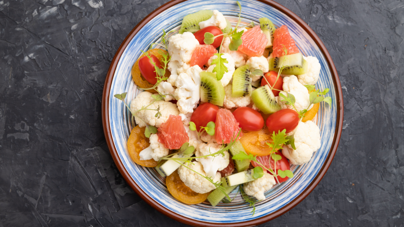 Saladas nutritivas e coloridas